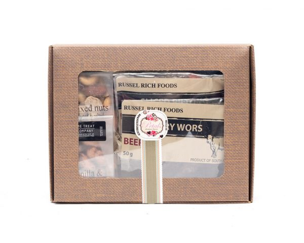 This snacker hamper contains different flavoured sliced biltong and nuts. This is a great gift to give for any occasion such as birthday. Get Well Soon, Gift For Man, Deliver Nationally.