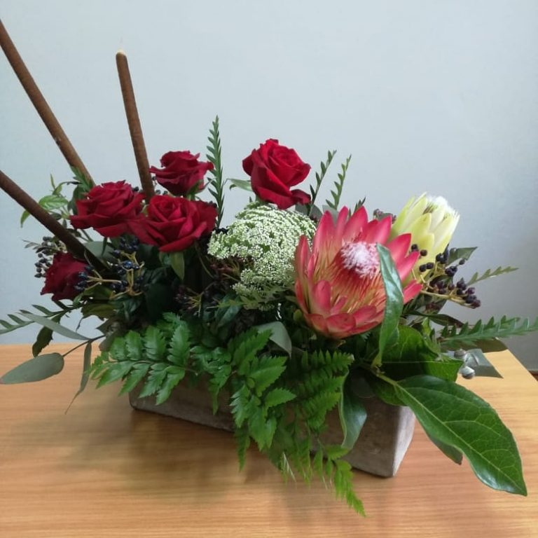 Read more about the article Protea and Rose Reception
