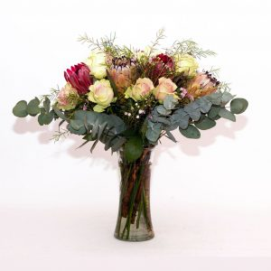 protea-and-rose-vase